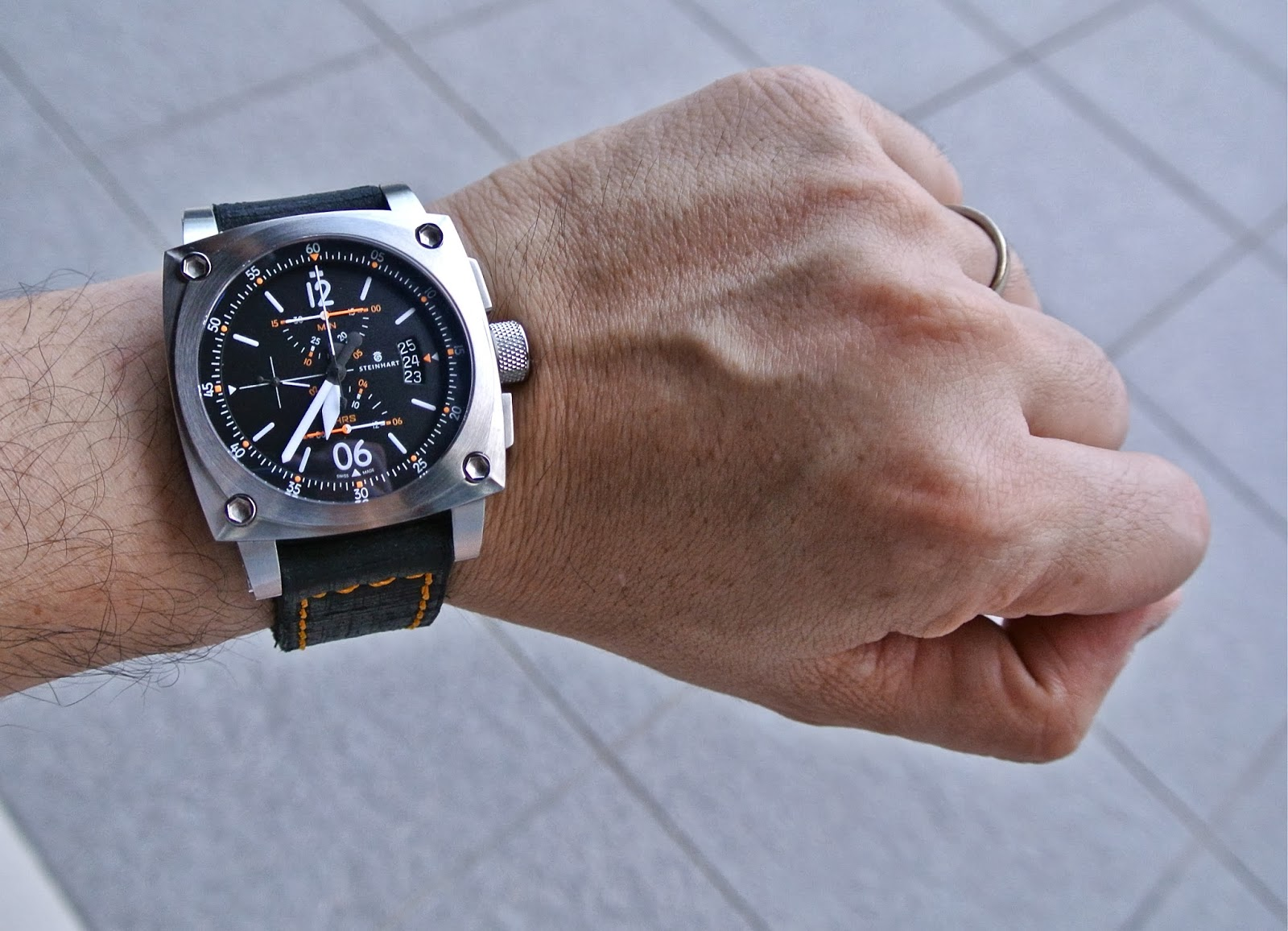 steinhart aviation gmt automatic review
